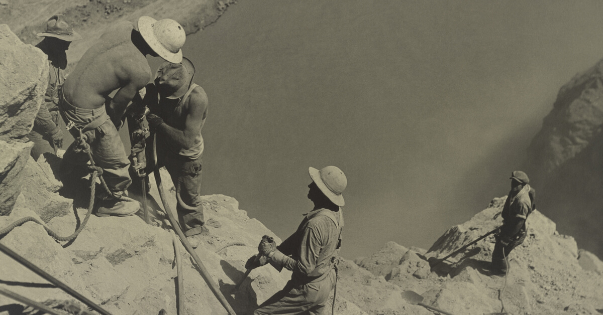 hoover dam construction workers in hard hats