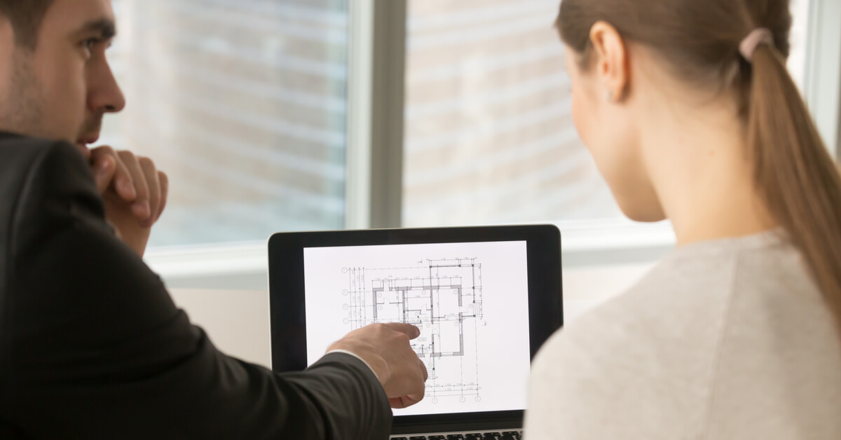 what does a cost estimator do